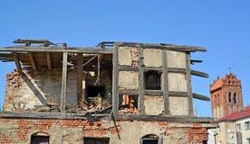 Ruínas da casa de apartamento da construção alemão Zheleznodorozhny, região de Kaliningrad Imagem de Stock Royalty Free