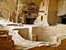 Ruínas da casa do balcão em Mesa Verde fotografia de stock