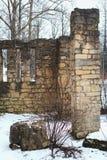 Ruínas da casa do tijolo fotos de stock royalty free