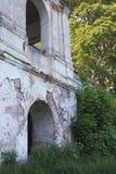 Ruínas da casa velha do tijolo de Tomasz Wawzecki Vila de Vidzy Fotografia de Stock Royalty Free