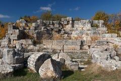 Ruínas da cidade antiga Diokaisareia na vila de Uzuncaburc Imagens de Stock