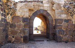 Ruínas da fortaleza do século XII do Hospitallers - o Belvoir - o Jordan Star - em Jordan Star National Park perto da cidade de A fotografia de stock royalty free