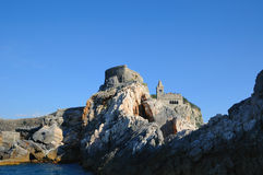 San Pietro na ilha em Portovenere Foto de Stock