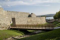 Ruínas da fortaleza medieval em Drobeta Turnu-Severin Imagem de Stock