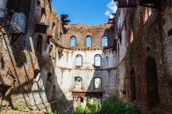Ruínas da planta metalúrgica velha Fotografia de Stock