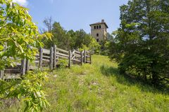 Ruínas da torre de água do castelo do Ha Ha Tonka imagem de stock royalty free