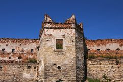 Ruínas da torre do castelo velho fotos de stock