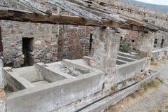 Ruínas das casas, fortaleza da colônia do leproso de Spinalonga, Elounda, Creta imagens de stock royalty free