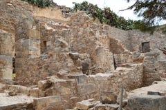Ruínas das casas, fortaleza da colônia do leproso de Spinalonga, Elounda, Creta fotos de stock