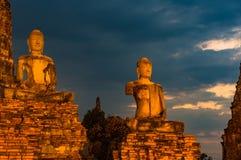 Ruínas das estátuas da Buda no templo de Wat Chai Wattanaram, Tailândia Fotografia de Stock