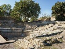 Ruínas de Odeon e de Bouleuterion na cidade antiga de Troy, Canakkale, Turquia imagens de stock royalty free