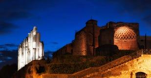 Ruínas de Roman Forum na noite Imagens de Stock Royalty Free