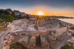 Ruínas de Tarragona Roman Amphitheatre, Espanha imagem de stock