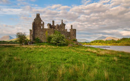Ruínas de um castelo de pedra Kilchurn Foto de Stock Royalty Free