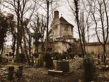 Ruínas de um crematório fotografia de stock