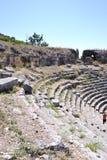 Ruínas do anfiteatro grego velho Imagem de Stock