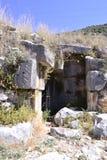 Ruínas do anfiteatro grego velho Imagens de Stock