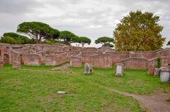 Ruínas do caserma dei vigili del fuoco em Ostia Antica - Roma Foto de Stock Royalty Free