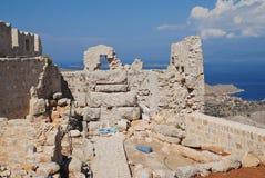 Ruínas do castelo do cruzado, ilha de Halki fotografia de stock