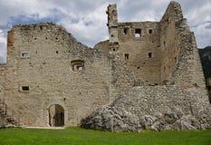 Ruínas do castelo de Beseno, Italy Foto de Stock