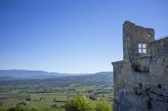 Ruínas do castelo de Lacoste, Luberon, Vaucluse, França fotografia de stock royalty free