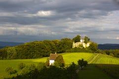 Ruínas do castelo de Neu-Schauenburg, Frenkendorf Imagens de Stock Royalty Free
