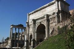 Ruínas do fórum antigo em Roma fotografia de stock