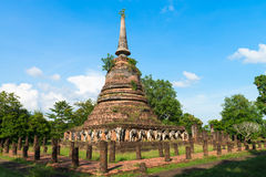 Ruínas do templo budista do stupa ou do chedi Fotos de Stock Royalty Free