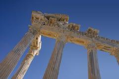 Ruínas do templo de Athena em Turquia lateral na costa Imagem de Stock