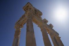 Ruínas do templo de Athena em Turquia lateral na costa Imagens de Stock