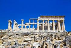 Ruínas do templo no console Aegina, Greece Foto de Stock