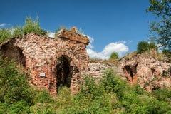 Ruínas na fortaleza de Oreshek, Rússia Imagens de Stock