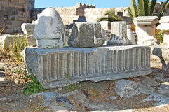 Ruínas no castelo na cidade de Kos, no Isla grego imagem de stock