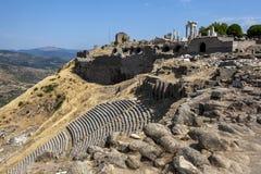 Ruínas no local antigo de Pergamum em Turquia imagem de stock royalty free