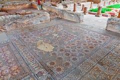 Ruínas romanas de Conimbriga Pavimento de mosaico romano muito complexo e elaborado na casa das fontes fotos de stock royalty free