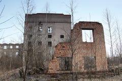 Ruínas soviéticas da fábrica Fotos de Stock