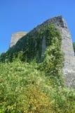 Ruínas velhas da parede do castelo imagem de stock royalty free