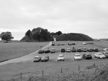 Ruínas velhas do castelo de Sarum em Salisbúria em preto e branco imagens de stock royalty free