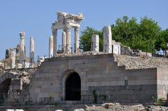 Ruïnes bij de Oude Griekse stad van Pergamon of van Pergamum in Aeolis, nu dichtbij Bergama, Turkije Stock Fotografie