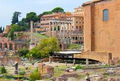 Ruïnes bij het Forum in Rome stock foto