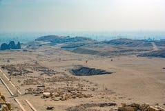 Ruïnes en promenade van de tempel ter ere van de farao worden gezien die royalty-vrije stock foto