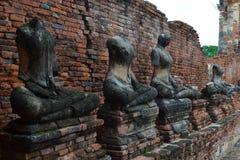 Ruïnes en vele oude beelden van Boedha Stock Afbeelding