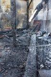 Ruïnes na brand stock afbeeldingen