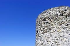 Ruïnes op het blauw royalty-vrije stock fotografie