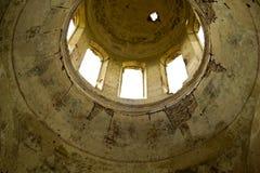 Ruïnes van één verlaten orthodoxe kerk Stock Foto's