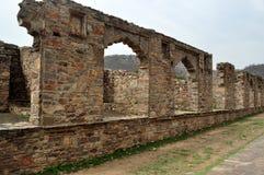 Ruïnes van Bhangarh-Fort Stock Foto's