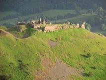 Ruïnes van Castell Dinas Zemelen in zonsondergang dichtbij Llangollen Wales Stock Foto