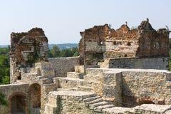 Ruïnes van de 15de eeuw middeleeuws kasteel, Tenczyn-Kasteel, het Poolse Juragebergte, Polen stock fotografie
