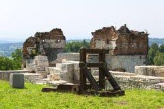 Ruïnes van de 15de eeuw middeleeuws kasteel, Tenczyn-Kasteel, het Poolse Juragebergte, Polen royalty-vrije stock afbeeldingen