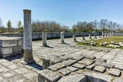 Ruïnes van de Grote Basiliek dichtbij de hoofdstad van het Eerste Bulgaarse Imperium Pliska Stock Fotografie